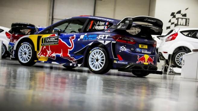 Espectacular imagen lateral del Fiesta WRC de Sébastien Ogier