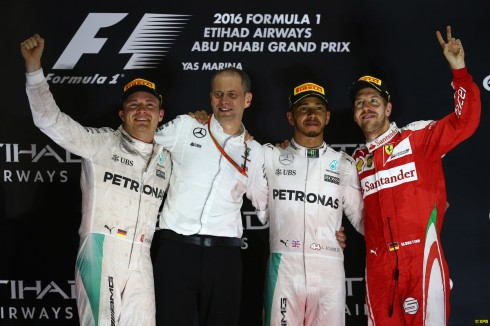 Lewis Hamilton, molesto con el equipo por el trato dispensado durante el GP de Abu Dhabi