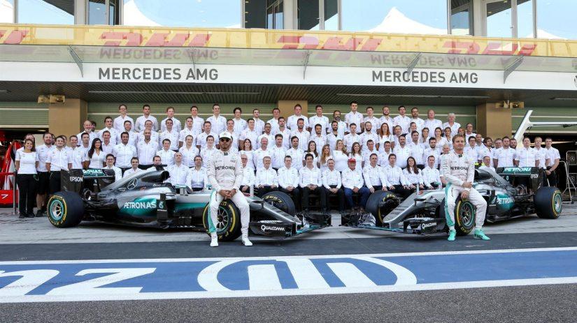 La indisciplina de Hamilton en Abu Dhabi, motivo de enfado en Mercedes