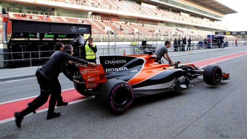Fernando Alonso quiere que McLaren remonte como hizo Red Bull en 2014