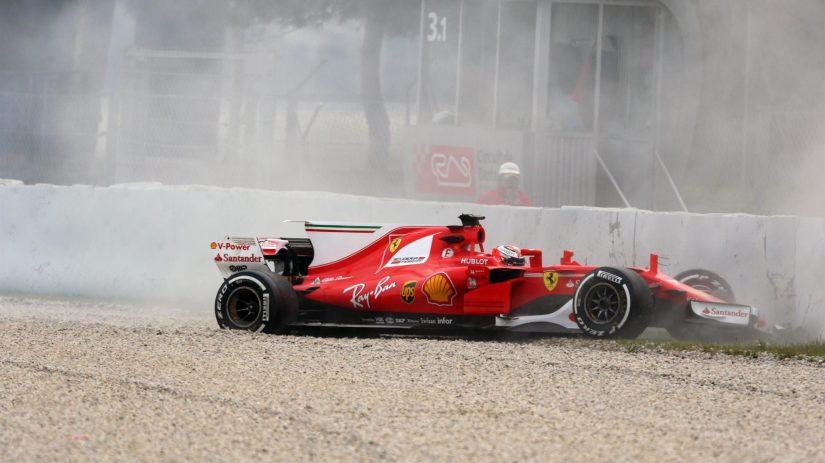 Aparatoso accidente de Kimi Raikkönen en la segunda sesión de pruebas