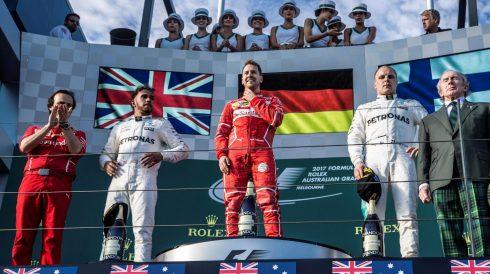 Sebastian Vettel, feliz en el podium tras su victoria en Albert Park