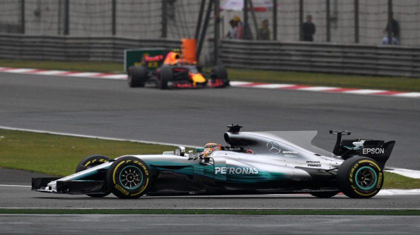 Lewis Hamilton, liderando la carrera