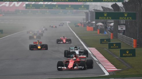 Valtteri Bottas, emparedado entre Vettel y Ricciardo
