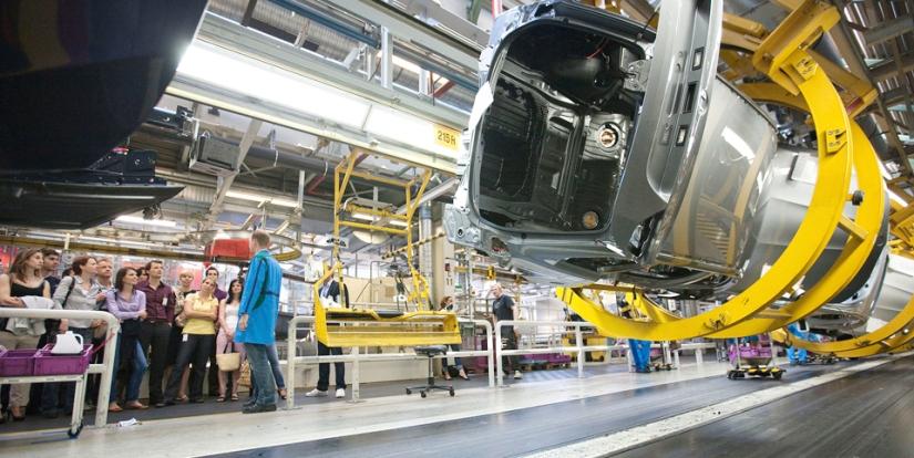 Dos trabajadores borrachos arruinan la producción de BMW en Alemania