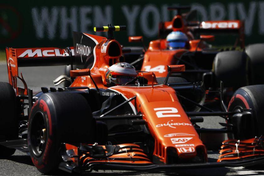 Otro día aciago para McLaren, saldado con dos nuevos abandonos