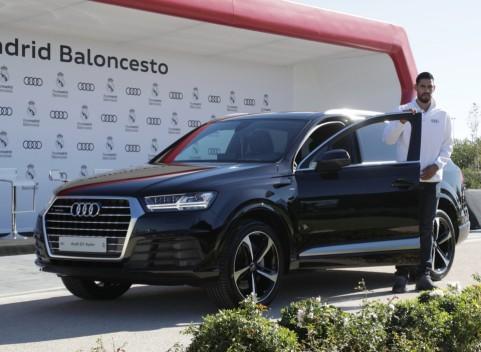 El mexicano Gustavo Ayón eligió también un Audi Q7
