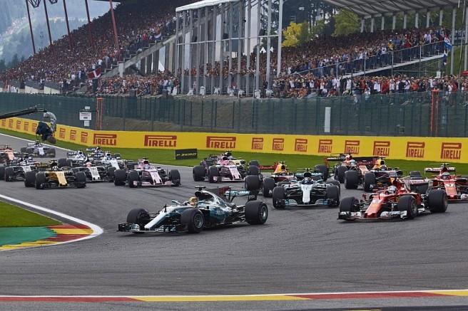 f1-race-start
